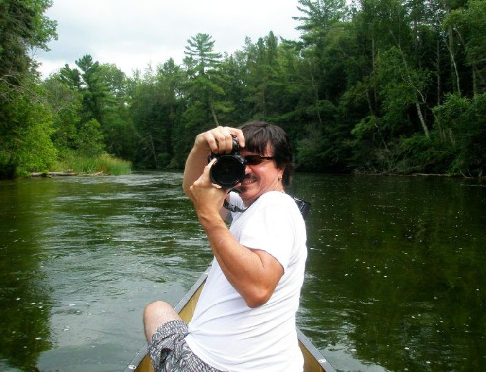 Snapshots of Life Along the Mississippi River