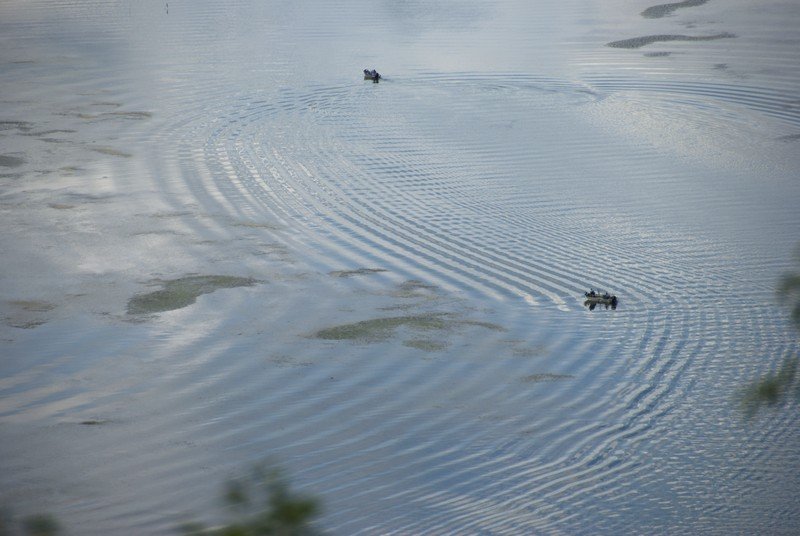 tn_Water with ripples and boats01